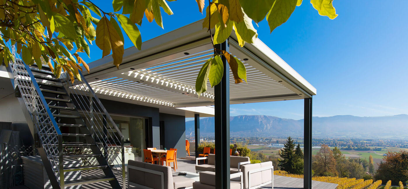Pergola contemporaine - BIOSSUN - Pergola bioclimatique ...